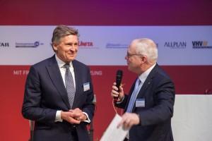 Karl Morgen (links) und Manfred Curbach bei der Diskussion zum Beitrag. Foto: Ulrich van Stipriaan